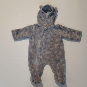 KARDASHIAN KIDS Stars Fuzzy Hooded Onsie size 3mo